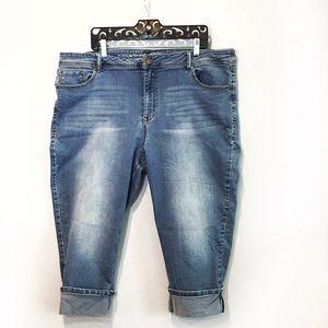 Plus size Capri Jeans Size 24